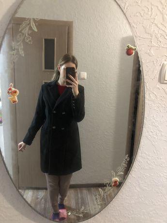 Пальто 300 грн