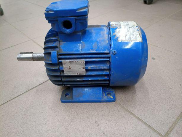 silnik 0,55 kW 1380obr 3-fazowy