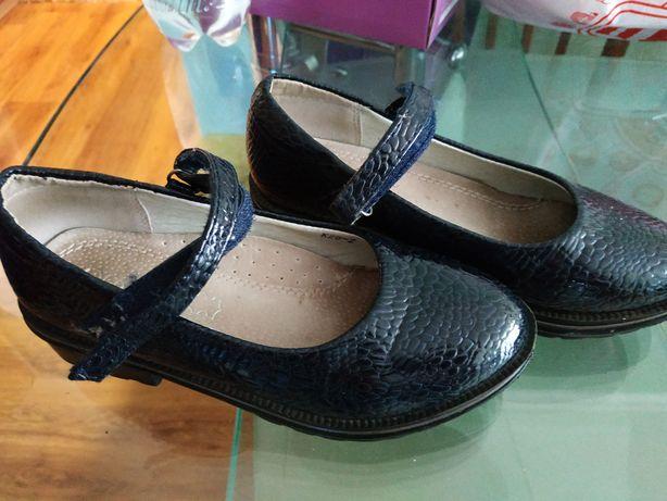 Туфлі для дівчинки, б/у