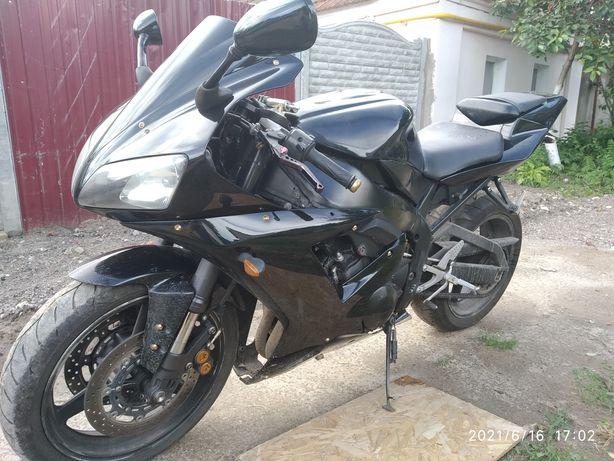 Мотоцикл Yamaha R1 Ямаха Р1