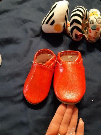 Paputki pantofle dla dziewczynki