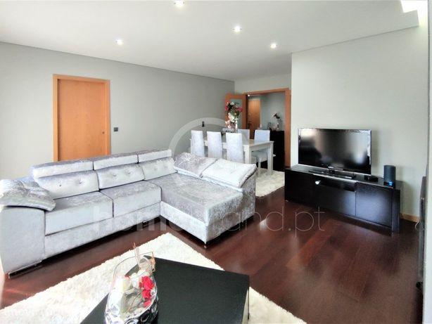 Apartamento T3+1 com garagem em Vila do Conde
