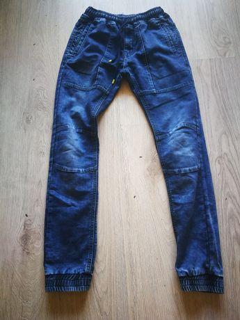 Chlopiece spodnie