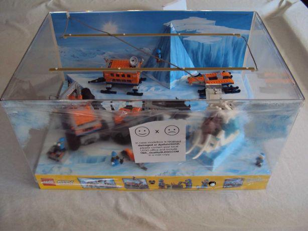 Lego Arctic 60195 com cenário / diorama
