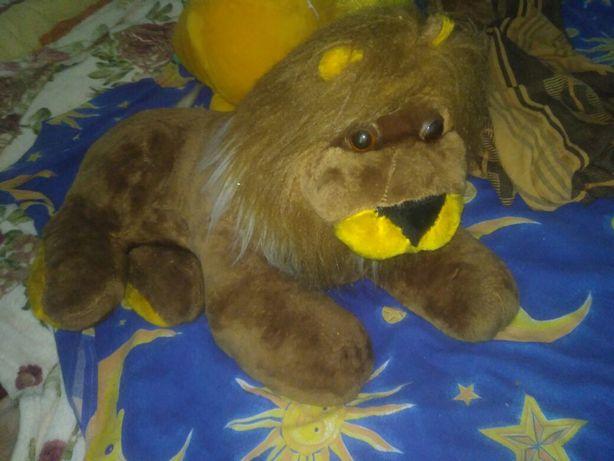 Лев игрушка мягкая