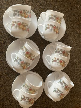 12 chávenas de café + 12 pires Arcopal