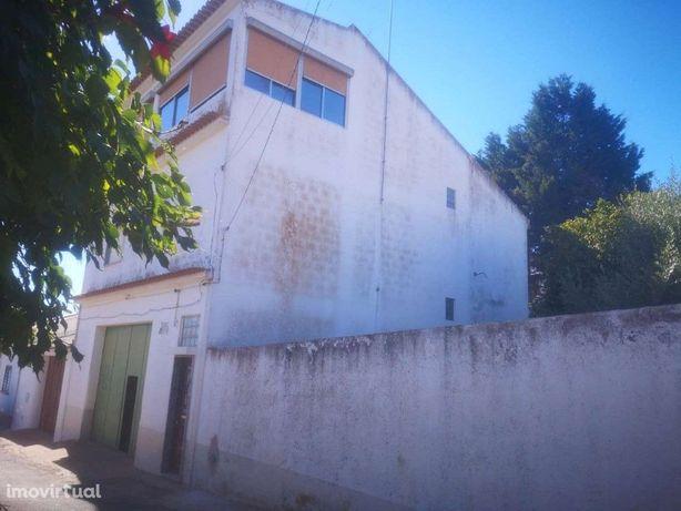 Moradia V5 em Ervidel c/ garagem e terraço - Perto da Pra...