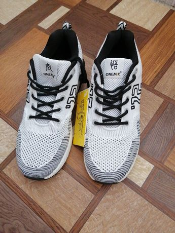Кроссовки, кросівки ONEMIX