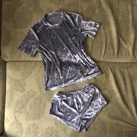 Пижама женская велюровая