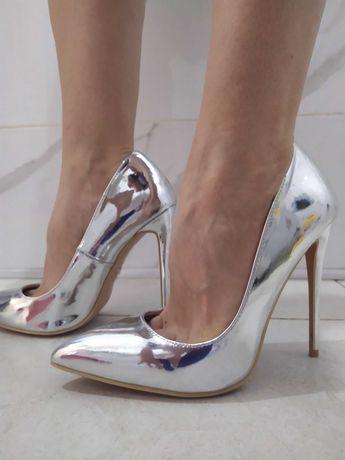 Туфли серебристые зеркальные на шпильке