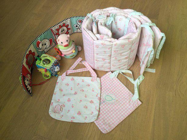 Защитный бортик в детскую кроватку+карманы Mothercare длина 3,4 м