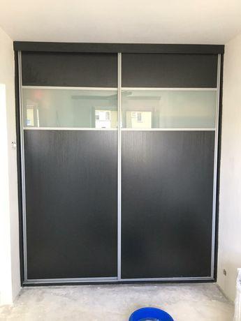drzwi przesuwne do szafy czarne