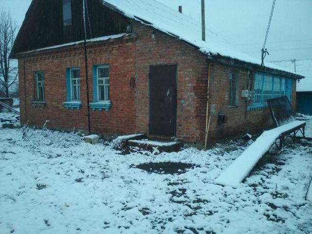 Продам хату в смт. Іванків