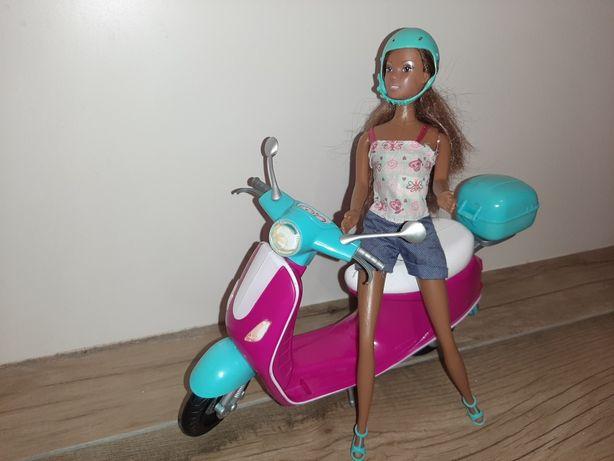 Steffi na skuterze
