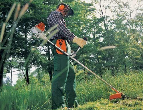Покос травы ,распил дров, вкидаю уголь, перекопаю огород.