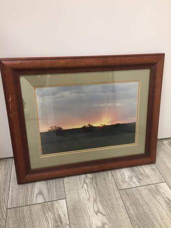 Obraz zachód słońca w drewnianej ramie  45 na 56,5 cm