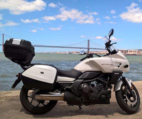 Honda CTX 700 D - 2013 - 22.000 Kms - DCT , ABS (Com malas)