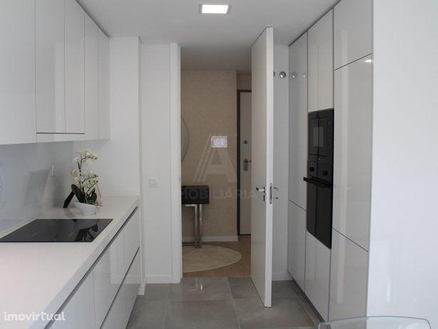 Apartamento T2 Novo Com Varanda - Casas do Lago