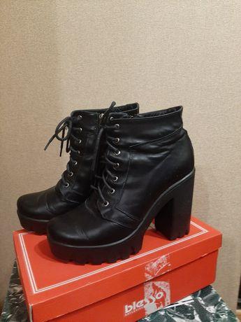 Кожаные зимние ботинки 40р.