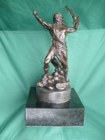 """Бронза, авторская статуэтка """"Зевс"""" на мраморном основании."""