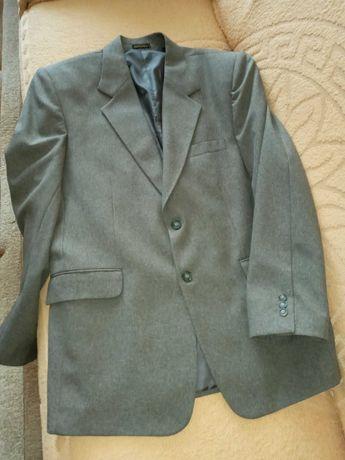 Мужской костюм в идеальном состоянии, 52-54 р-р.