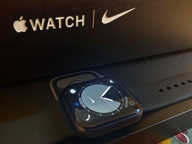 Apple Watch 6 40mm Nike Edition