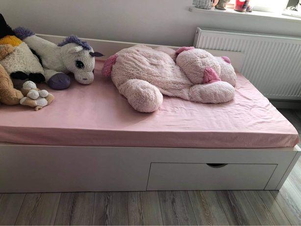 Łóżko białe jednoosobowe z materacem