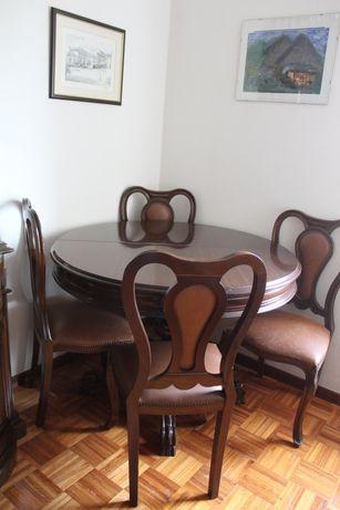 Mesa de sala e 4 cadeiras