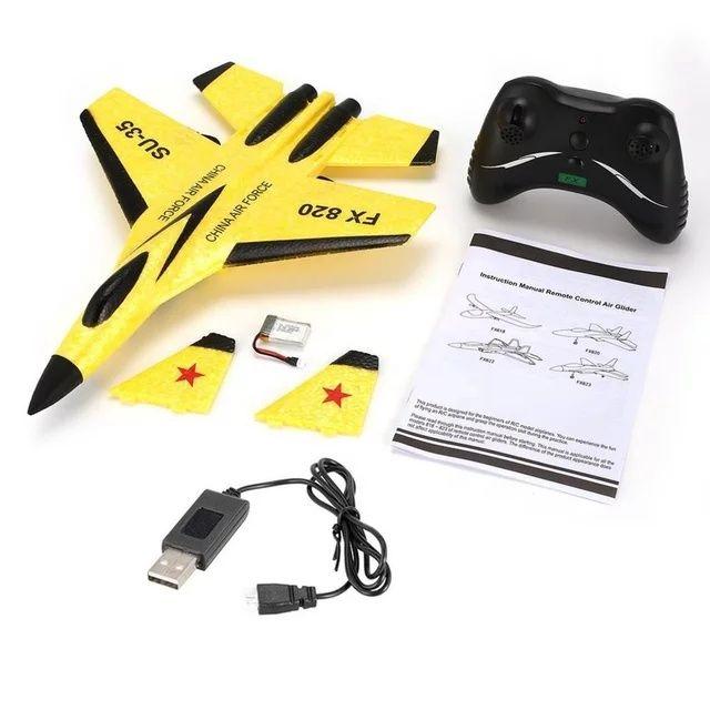 Игрушечный самолет на радиоуправлении дрон