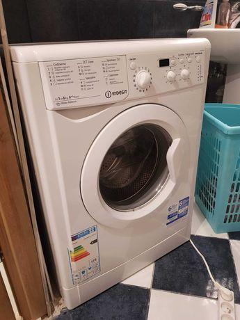 Sprzedam pralkę f. Indesit Eco uzywana sporadycznie przez 1 rok