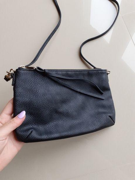 Czarna torebka kopertówka na pasku H&M