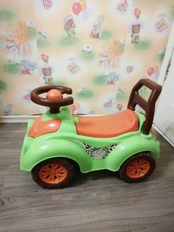 Машинка для прогулок на возраст 1-2 года