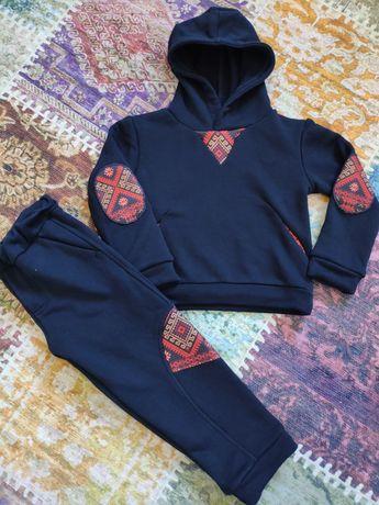 Спортивний костюм з вишивкою, спортивный комплект nenka, с вышивкой