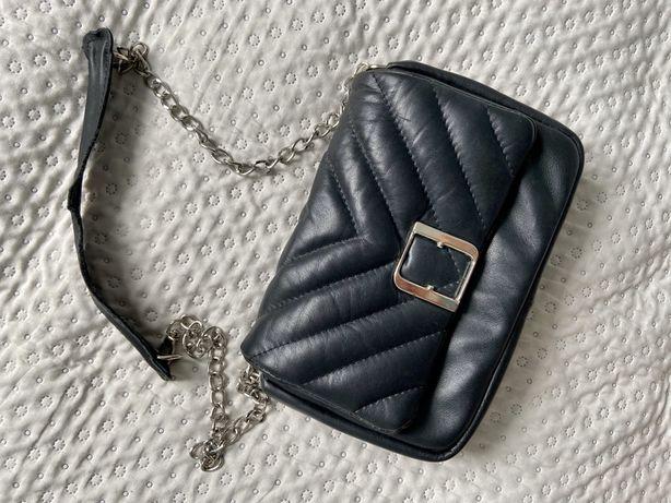 Torebka FABIOLA Firuze r. M skórzana  czarna pikowana łańcuszek Chanel