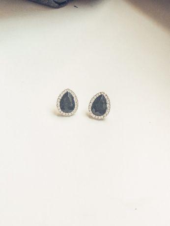 Brincos pedras pretas-bijuteria