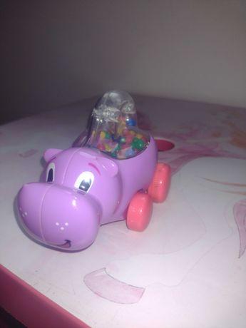 Samochodzik hipopotam z kuleczkami