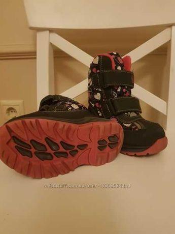 Зимние ботинки B&G на девочку