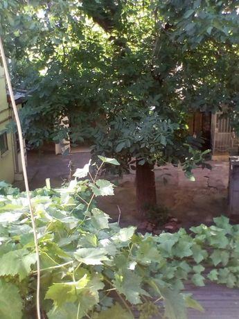 Продам 2-х комнатную на ул. Новосельского. Л-6