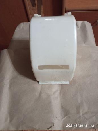 Недорого новый пластиковый держатель для туалетной бумаги