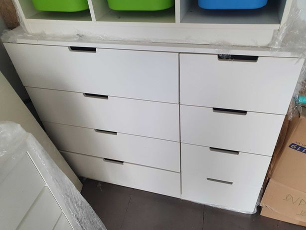 Comoda IKEA em bom estado