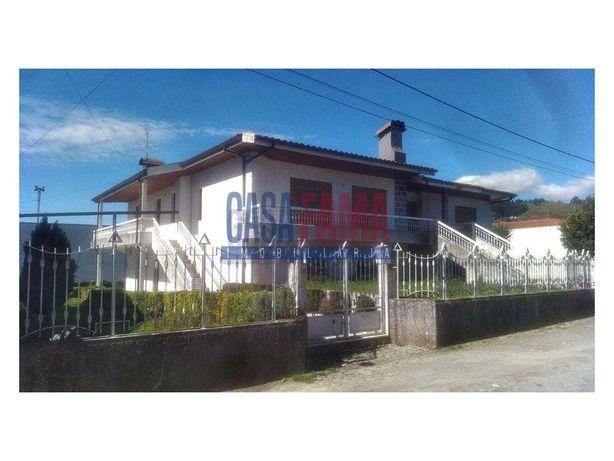 Moradia V4 em Vermoim – Vila Nova de Famalicão