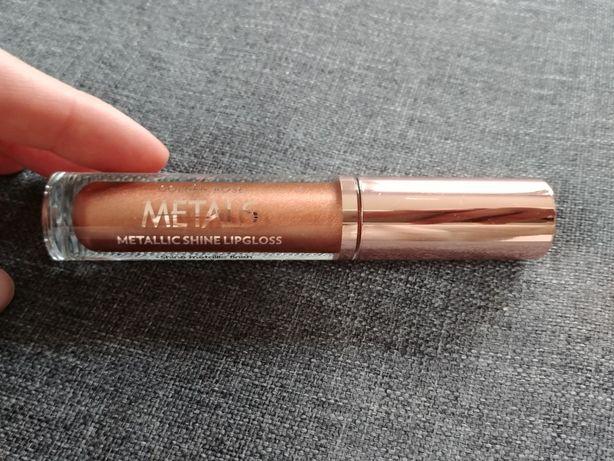 Metaliczny błyszczyk do ust firmy Golden Rose