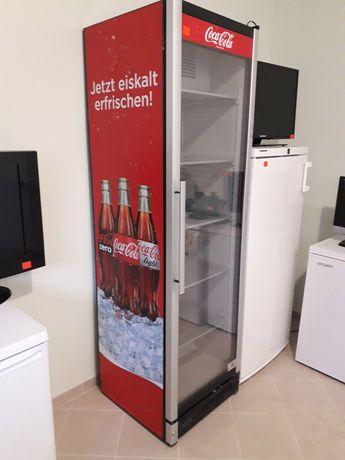 Холодильник Вітрина для води кока кола