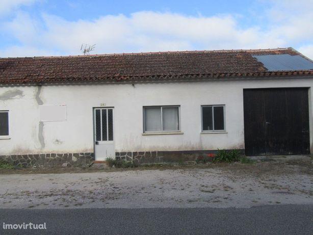 Casa térrea T3 no Lameiro / Vieira de Leiria
