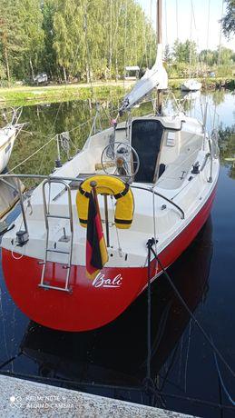 Яхта Dehler delanta 80