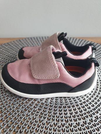 Buty dziecięce firmy Clarks.