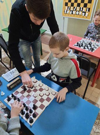 80 грн.Тренер, вчитель, викладач з шахів.Тренер, учитель по шахматам