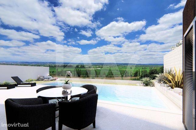 Moradia M5 com piscina e acabamentos de luxo a 5 minutos de Coimbra