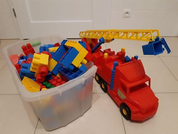Klocki wader 140 szt + wóz strażacki