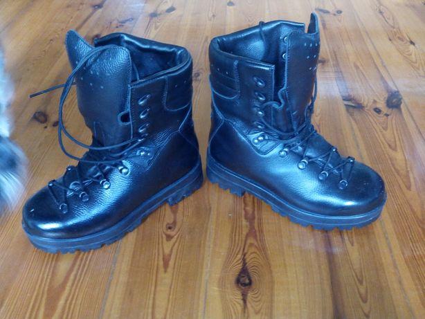Buty wojskowe zimowe